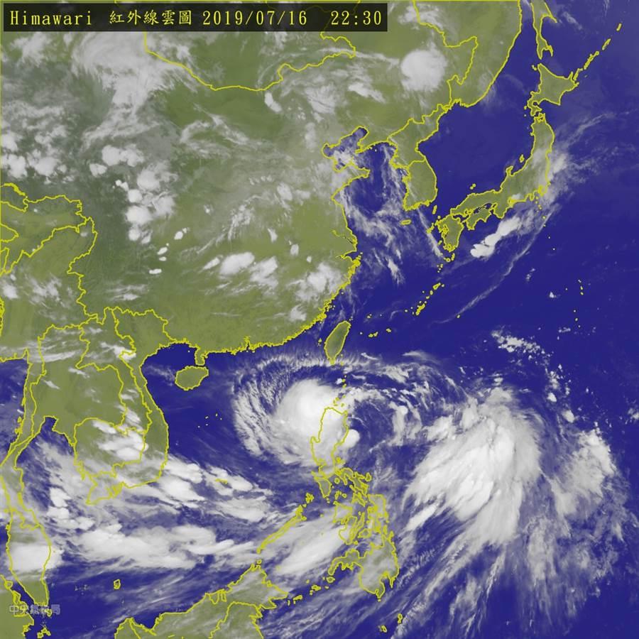 輕度颱風丹娜絲急停北轉,將貫穿台灣陸地 (圖/中央氣象局)