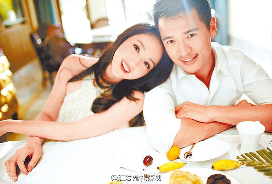 高雲翔(右)去年鬧出性侵疑雲官司纏身,傳與董璇已結束8年婚姻。(取材自微博)
