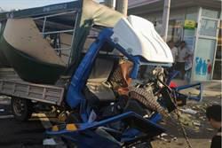 台南七股嚴重車禍 8人受傷送醫