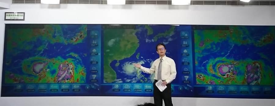 氣象局表示,丹娜絲颱風陸警今天中午發布。(廖德修攝)
