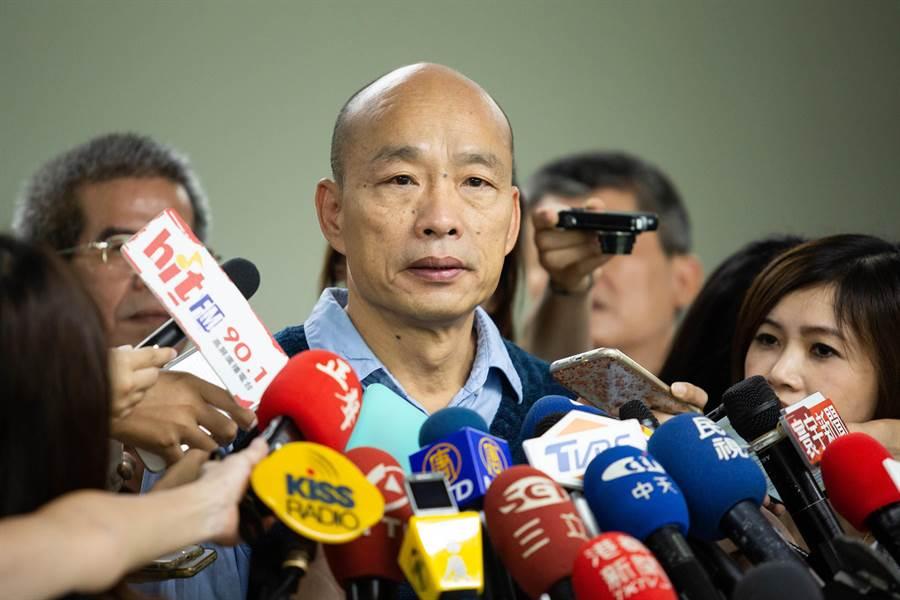 面對外界質疑若總統勝選、前後可賺3億元之說,韓國瑜僅表示補助為全國一體適用。(袁庭堯攝)