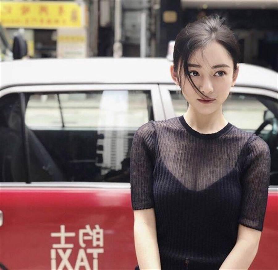 「仙氣」正妹女醫讓PTT表特版暴動。(圖/取自當事人IG)