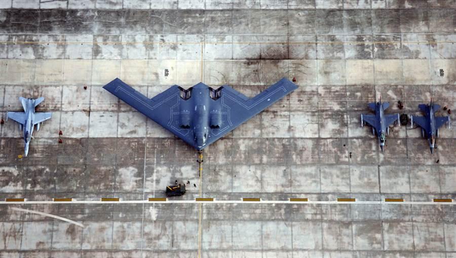 懷特曼空軍基地是B-2的駐地,正在紀念B-2轟炸機的首飛30年。(圖/美國空軍)