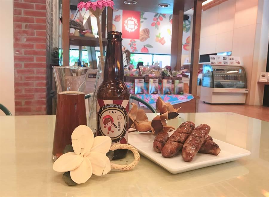 公館鄉農會推出紅棗香腸、紅棗啤酒,拓展客群。(何冠嫻攝)