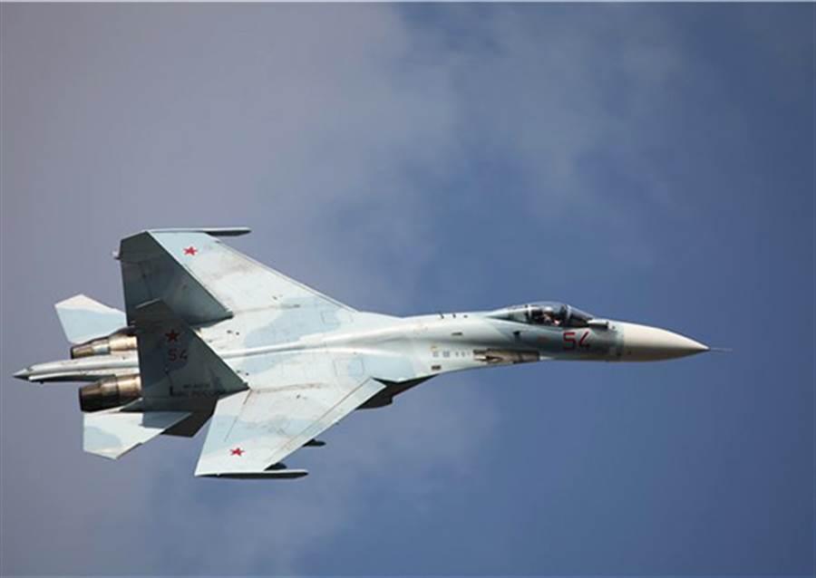 Su-27是現今俄羅斯最具代表的戰機,雖然問世30多年,但衍生型很多,仍然相當活躍。(圖/俄羅斯空軍)