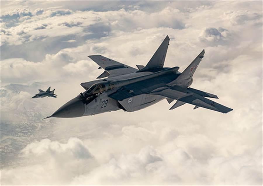 MiG-31仍是俄羅斯相當倚重的高速攔截機,據說後續的MiG-41在研發中。(圖/俄羅斯空軍)