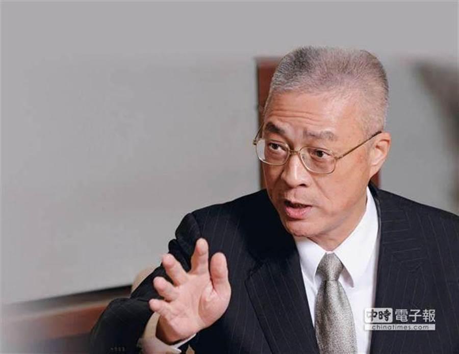 吳敦義在17日中常會上,正式宣布韓國瑜代表國民黨角逐2020總統大位 (圖/本報資料照)