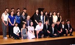 向音樂之父致敬 44位鋼琴家扎實彈巴哈