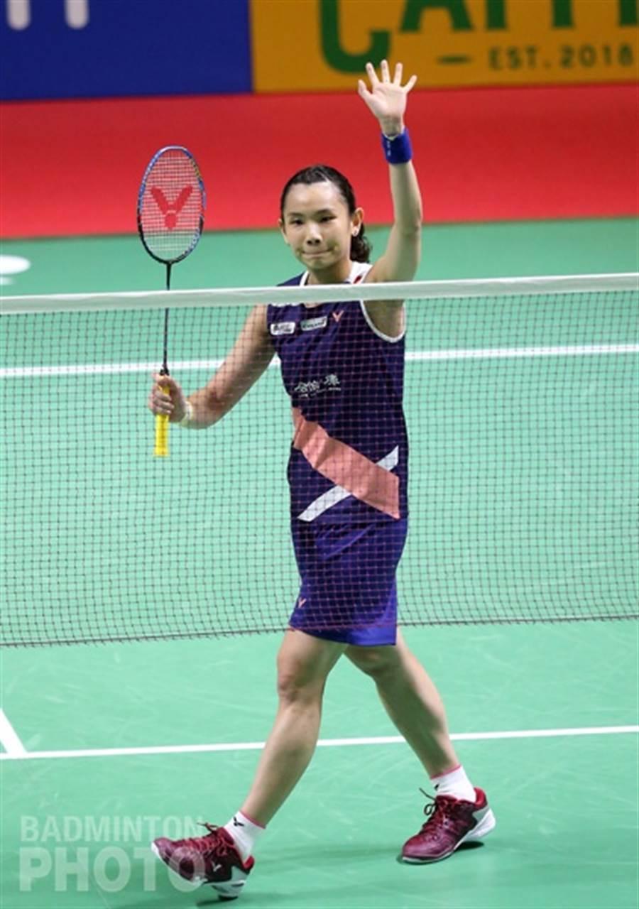 戴資穎拿下勝利後,揮手和球迷致意。(Badminton Photo提供)