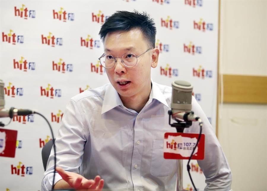 民進黨副秘書長林飛帆18日接受電台節目「周玉蔻嗆新聞」專訪。(姚志平攝)