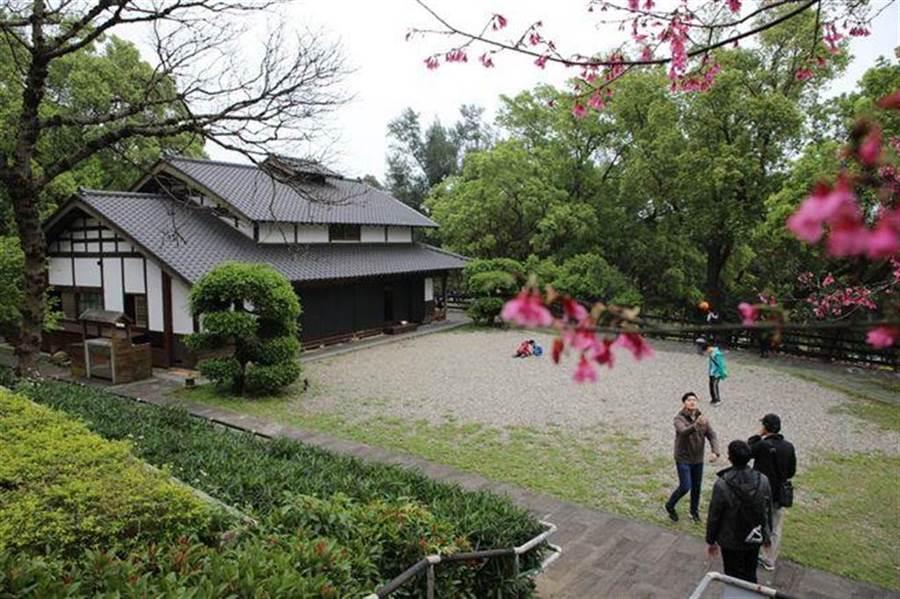 淡水「一滴水紀念館」有濃濃日式建築。(新北市景觀處提供)