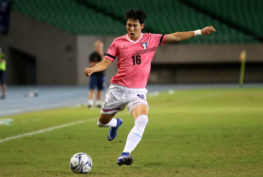 中華男足的韓裔國腳王建明因身分認定問題,無法參與9月兩場世足資格賽。(資料照片/李弘斌攝)