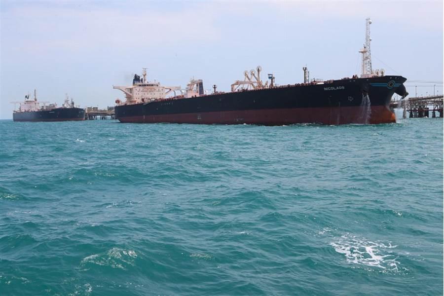 伊朗革命衛隊扣押一油輪,目前沒說明國籍與所有權。(圖/美聯社)