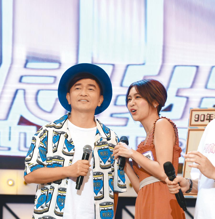 吳宗憲(左)和安苡愛頻傳緋聞。(資料照片)