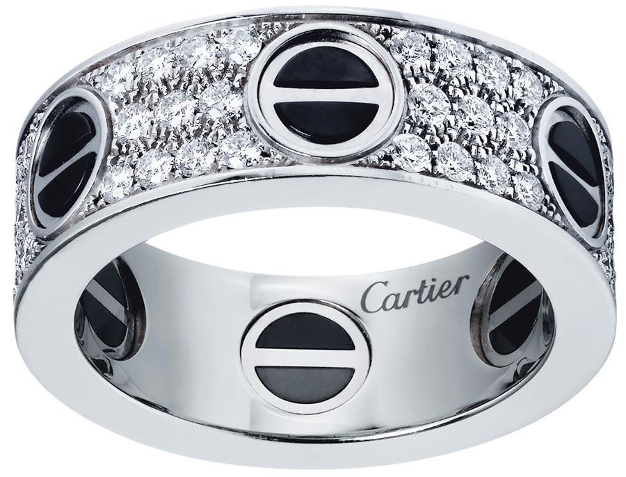卡地亞LOVE戒指,白K金鑲鑽款,33萬5000元。(Cartier提供)