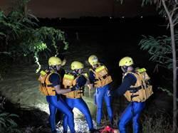 雨後大肚溪水暴漲 2釣客受困獲救