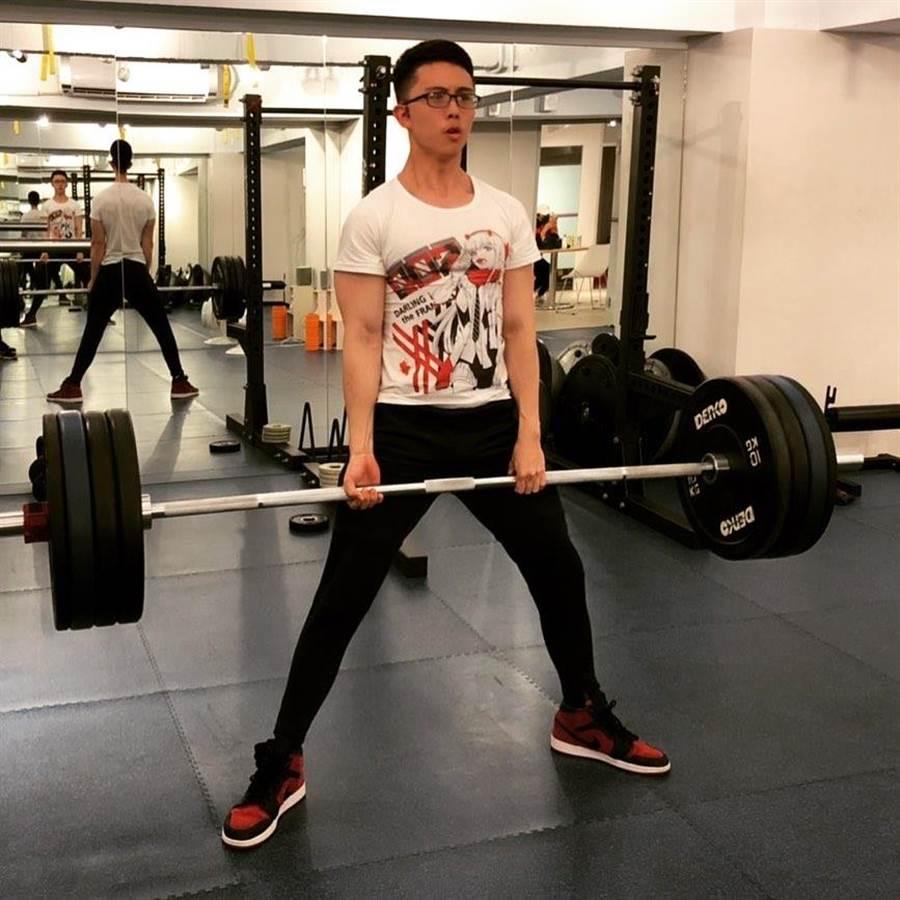 孫安佐現在是網紅,常在網路分享健身影片。取自IG