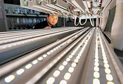 照明搭智慧科技 LED、OLED各顯風情