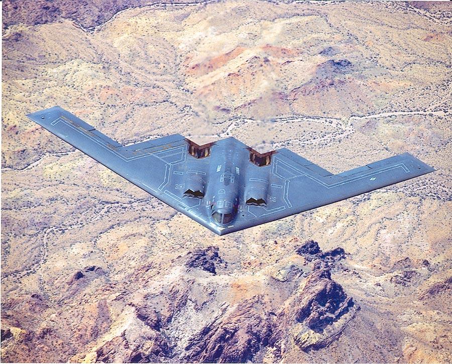 美軍B-2轟炸機能突破多數國家的防空系統。(取自美國空軍官網)
