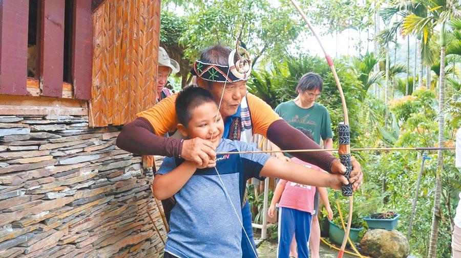 丹大布農深度旅遊向愛好大自然者招手:丹大部落體驗、貼近布農文化。(沈揮勝翻攝)