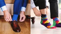 一個動作讓長襪變隱形襪!網驚:太神奇啦
