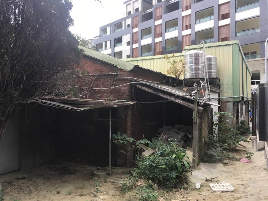 新竹市預告訂定「都市危險及老舊建築物加速重建放寬規則草案」,預估有5萬戶小面積老建物得以適用各項重建優惠。(陳育賢翻攝)
