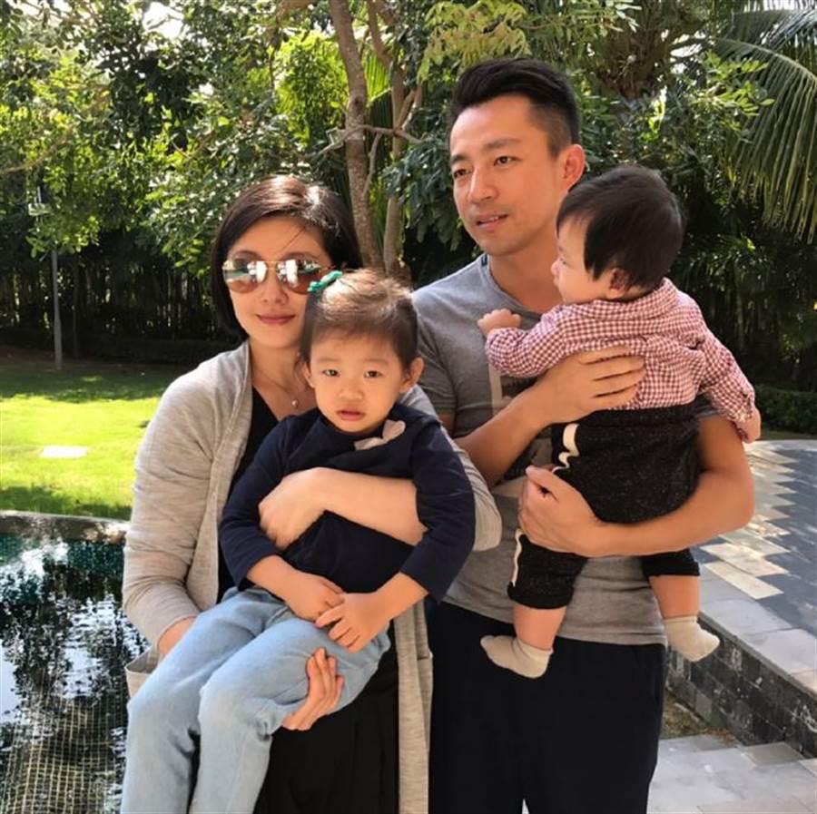 大S和汪小菲婚後育有一對兒女。(圖/翻攝自微博)