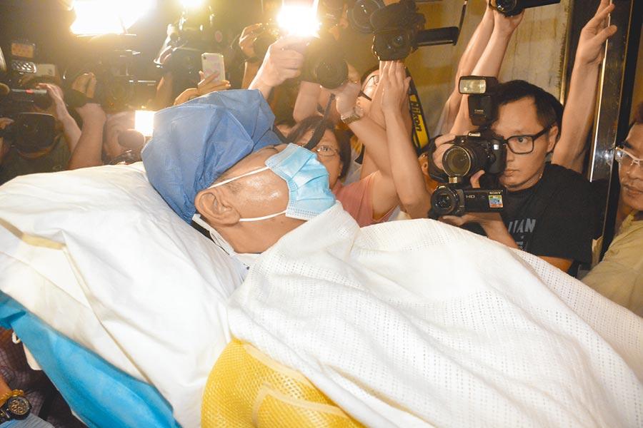 任達華前晚送回香港醫院。