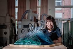 首位台灣大學生赴德參加玻璃雕塑展