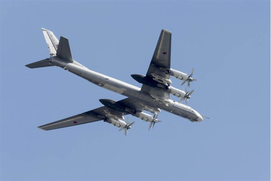 俄羅斯圖(Tu)-95戰略轟炸機的資料照。(美聯社)