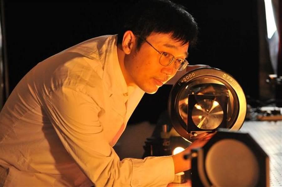四川成都中科院光電技術研究所的羅先剛教授。(圖/搜狐軍事)