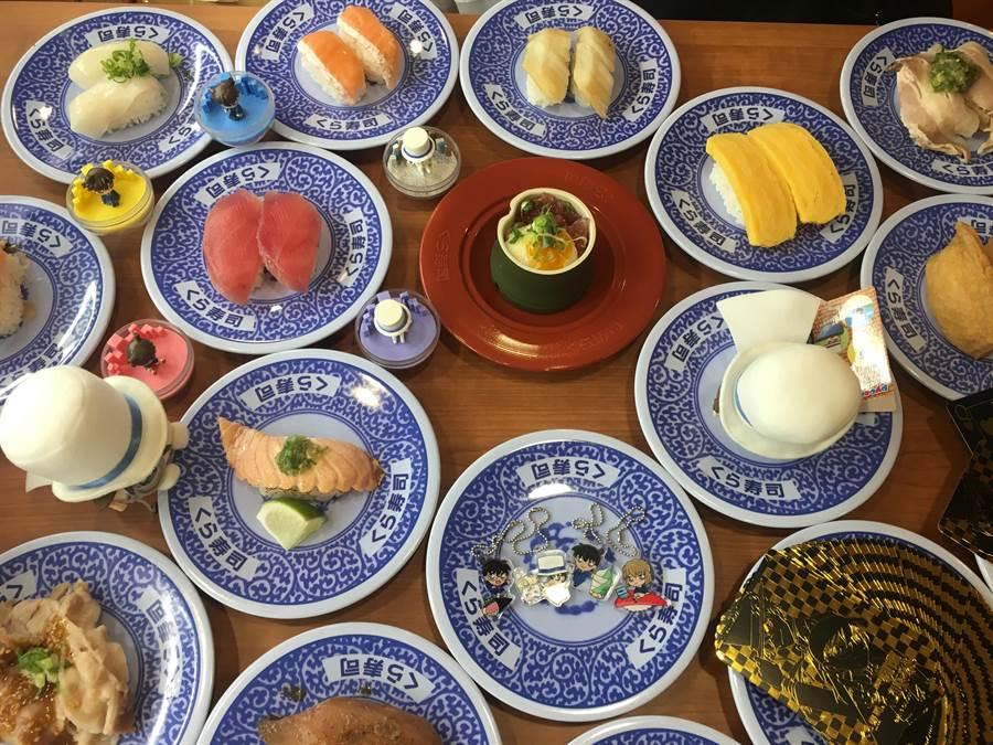 「藏壽司」永和比漾店有百款壽司,每盤40元。(郭家崴攝)