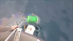 惡劣!23桶廢機油棄置海中  險流入潮境保育區