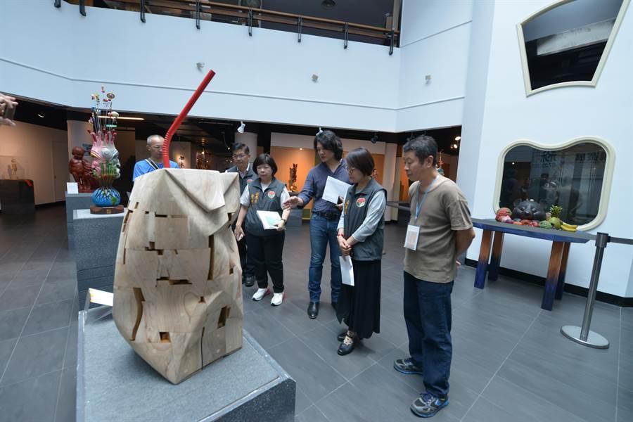 今年亞太木質藝術交流展以「森態」為主題,展示台灣與鄰近國家間多元創意與薪傳技藝的文化。(何冠嫻翻攝)