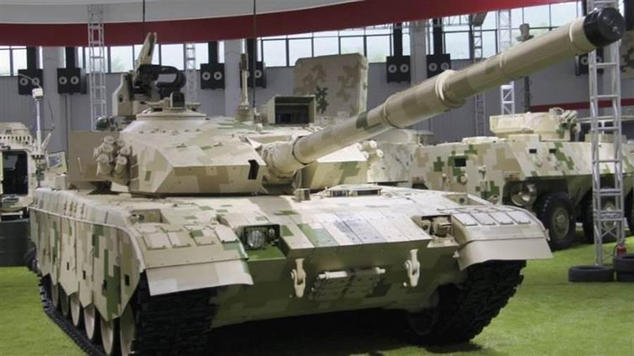中共新列裝的15式輕坦克外貿型號為VT5,經常參加國際防務展。(圖/網路)