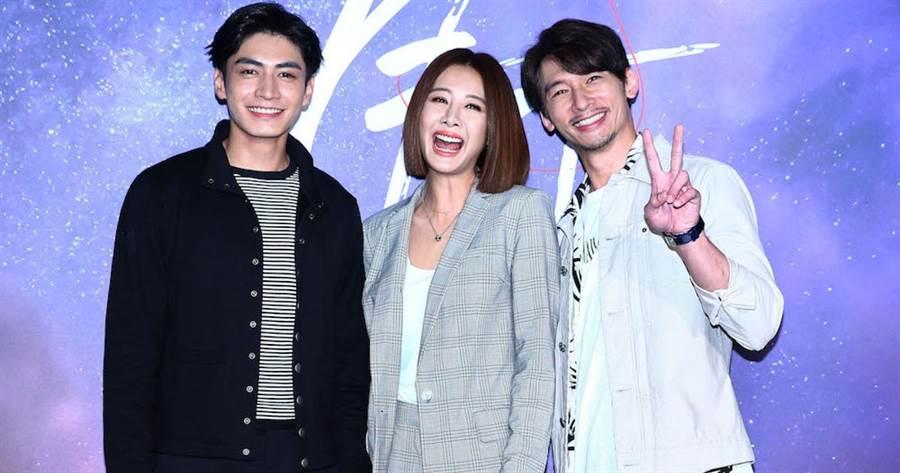 溫昇豪(右起)、安心亞、宋柏緯。粘耿豪攝