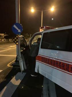 蘇澳救護車遭撞 病患不治3救護員傷