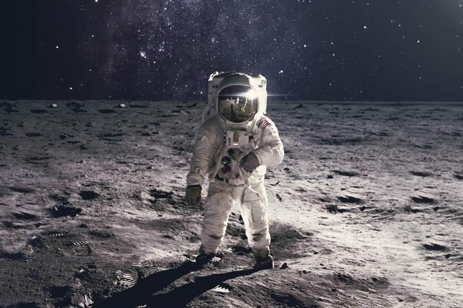 人類登月50周年 月光照出驚人畫面(示意圖/達志影像)