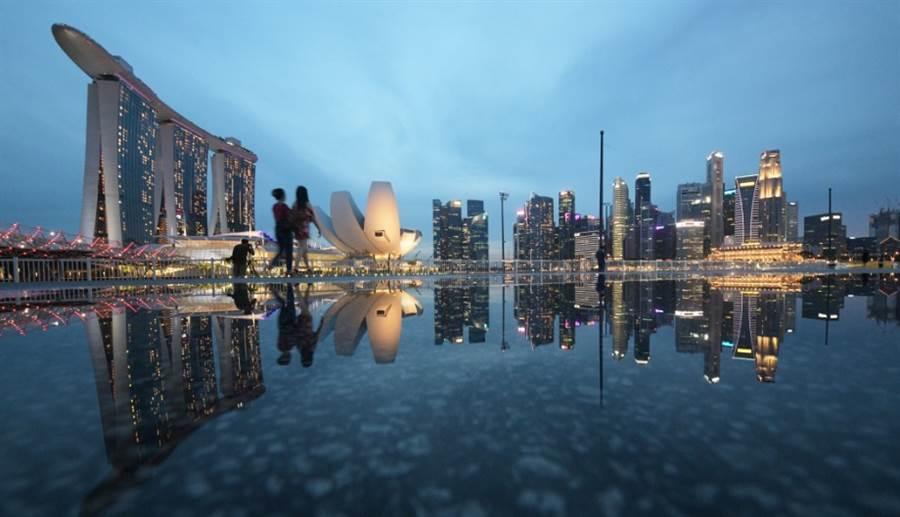 出口導向型經濟的新加坡受貿易戰衝擊,半導體產業傳裁員消息。(新華社資料照片)