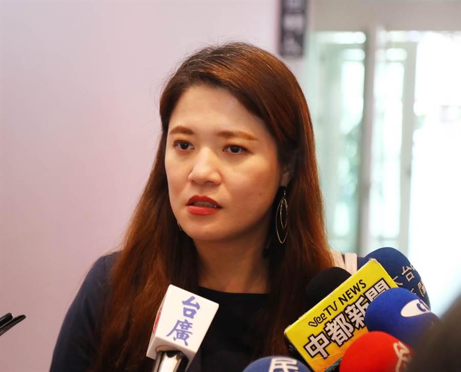 台中市政府觀光旅遊局長林筱淇說,2020年台灣燈會,台中市政府申請1億元經費補助,交通部觀光局卻只補助1800萬元。(陳世宗攝)