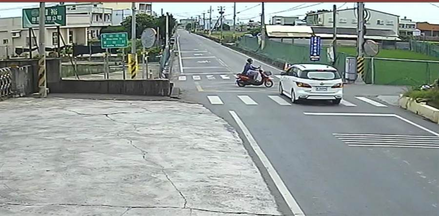 彰化福興鄉番社街口與鄉道彰50線交叉路口,日前發生死亡車禍。(謝瓊雲翻攝)