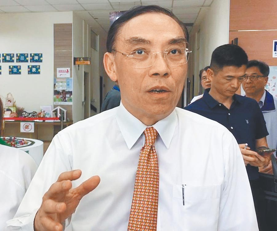 針對國安私菸案,法務部長蔡清祥24日表示,凡是涉及犯罪,不管是哪一個政府的時代,都要依法偵辦。(廖素慧攝)