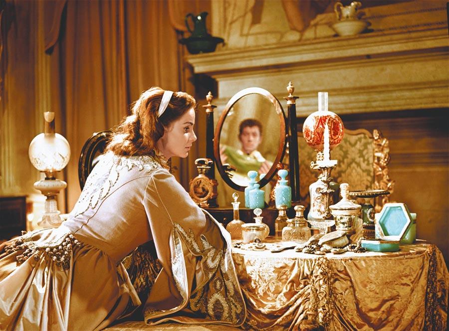 雅烈妲华莉《战国妖姬》。