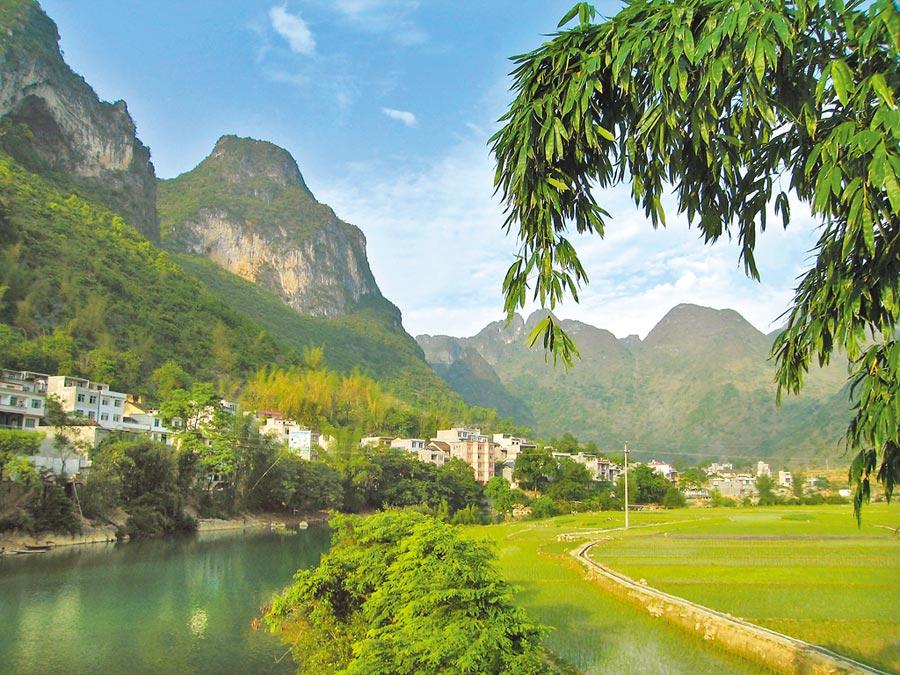 大陸廣西省巴馬縣,僅500多人的平安村,就有三位百歲人瑞。(CFP)