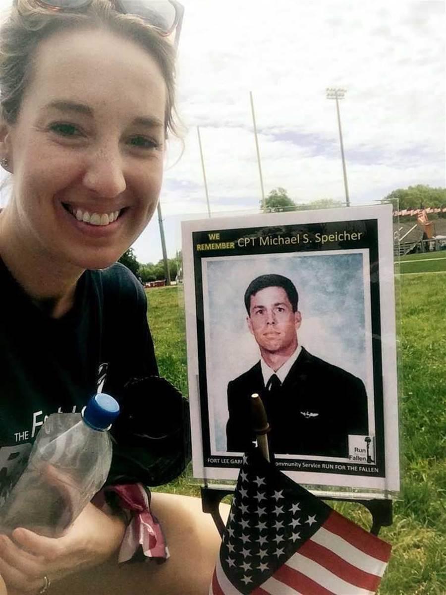 在陣亡十幾年後,史貝奇中校終於回家了。(圖/美國海軍)