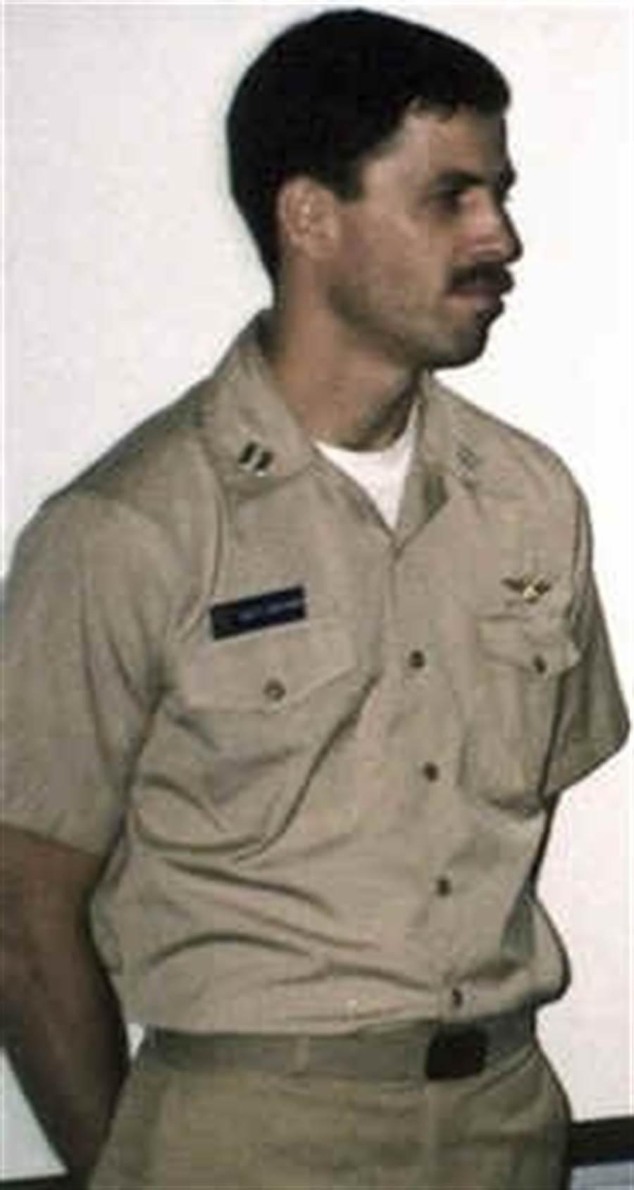 伊拉克空戰英雄蘇哈爾‧戴沃德,現在隱姓埋名。(圖/F-16.NET)