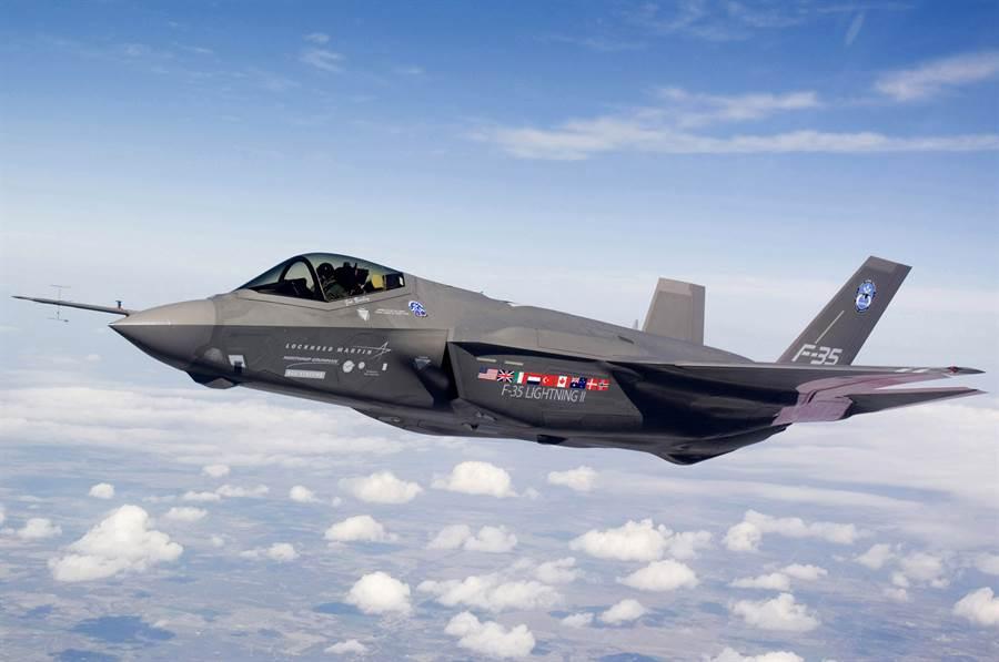 隨著F-35的快速量產,造價也持續下降,近期第13批次的F-35A每架已跌破8千萬美元。(圖/美國空軍)