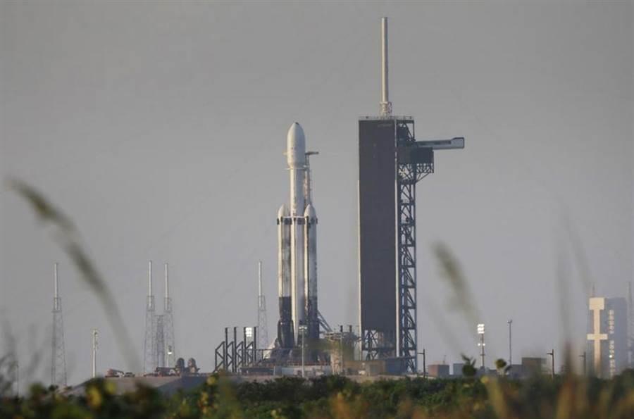 (福衛七號衛星準備透過獵鷹重型衛星升空。圖/資料圖)