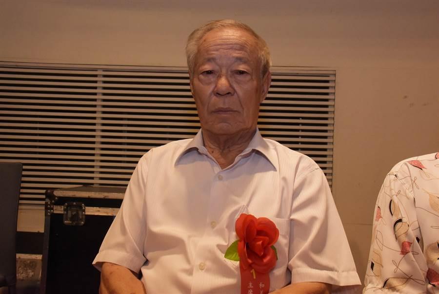 林金鐘在38歲受鄉親父老所託,競選第11屆鎮民代表,爾後歷經第12、13屆副主席、第14至 21屆共8屆主席,在眾多的基層民代中屹立不搖40多年,已經80歲了。(吳敏菁攝)