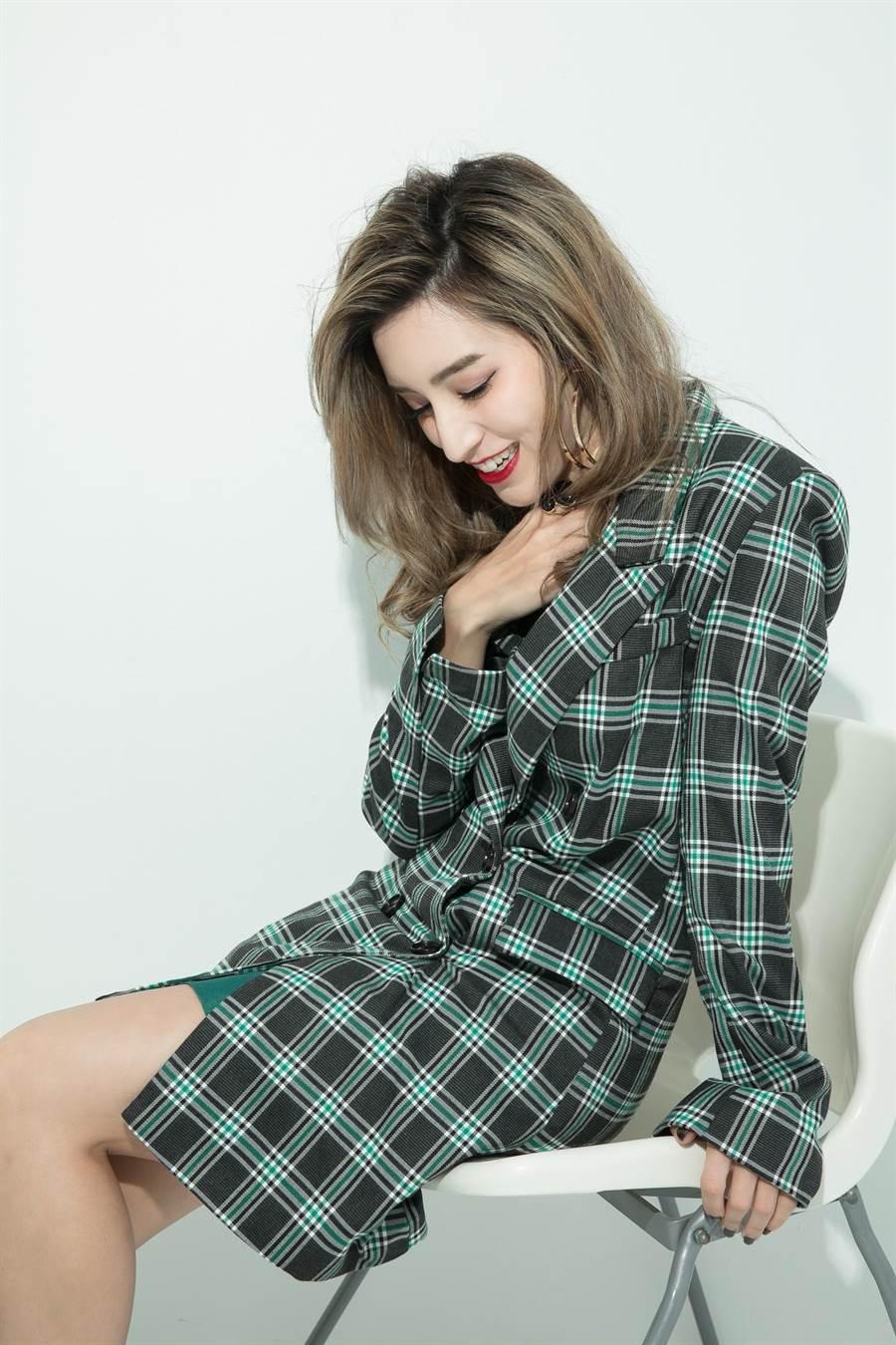 Lara近日推出新單曲。(vogue國際中文版提供)